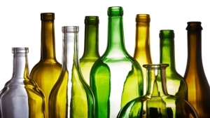 empty_glass_bottles_000056169688